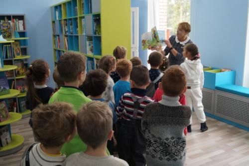 Посещение детско-юношеской библиотеки№11 «Книжное пространство «Авиатор»